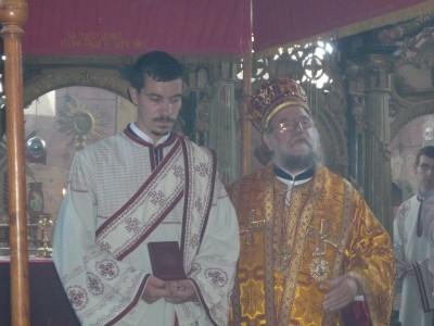 Посета његовог преосвештенста, владике сремског Василија, храму Св. Николаја у Карлочићу.